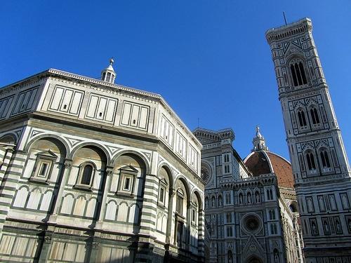 Il Battistero di Firenze e le 3 porte bronzee: ecco perché visitarlo