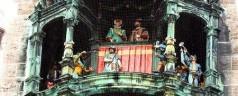 Glockenspiel: il carillon dell'orologio a Monaco di Baviera