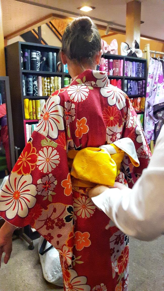 vestizione del kimono