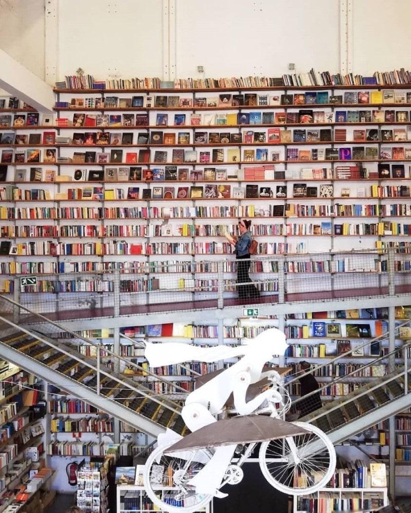 Livraria Ler Devagar Lisbona