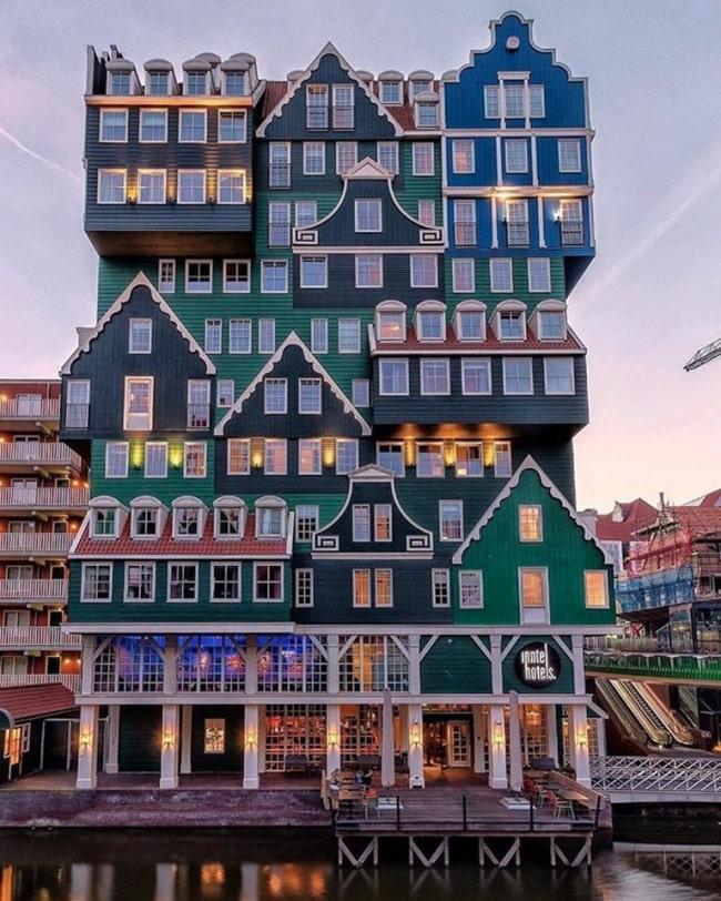 zaandam strange hotel