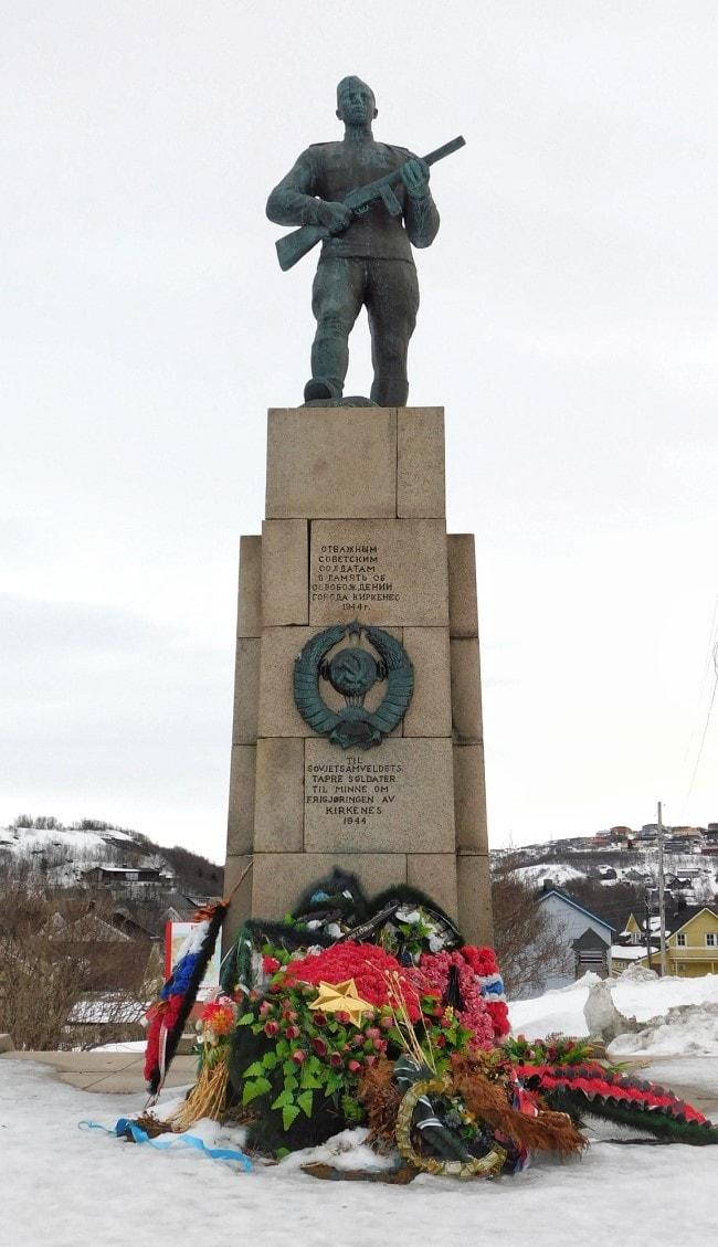 kirkenes norvegia Monumento sovietico