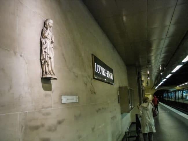 metro parigi Louvre Rivoli