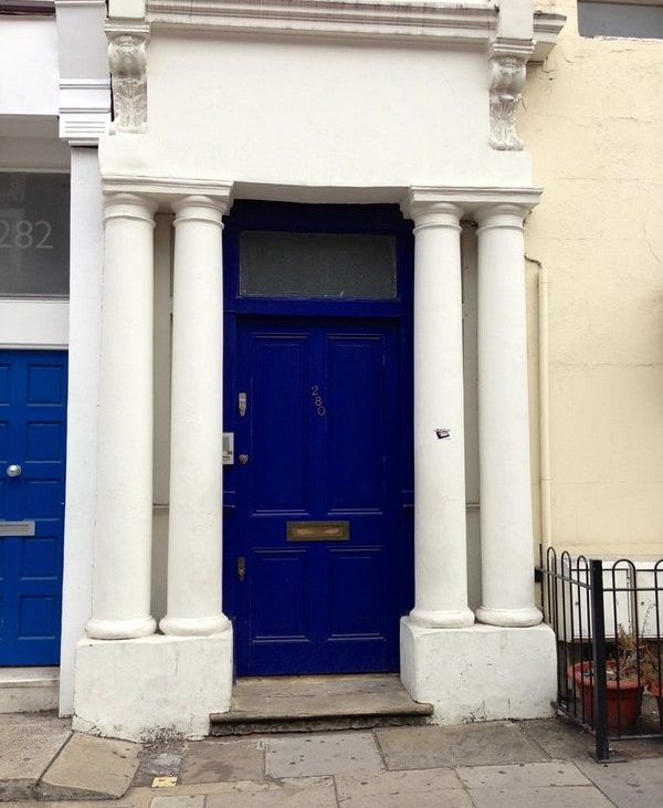 blue door Notting Hill